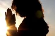 Вечернее правило: слушать видео-молитвы на сон грядущий и читать на русском